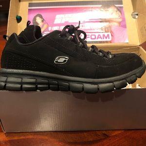 Skechers sneakers w/ Memory foam‼️